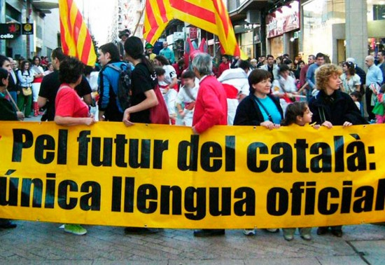 Europa sale en defensa del castellano en Cataluña